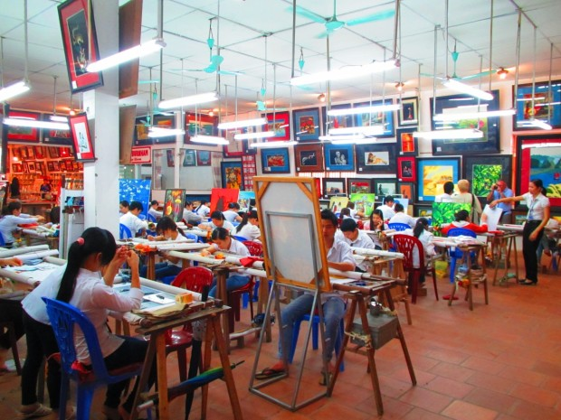 About halfway to Halong Bay we stopped at the tourist trap for half an hour - arts and crafts for sale - I had coffee