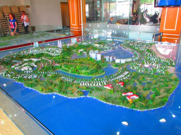 Now we are at the dock, which has nice new facilities. As you can see, this is a model of what they are planning - selling lots and lots of tourist houses and apartments.