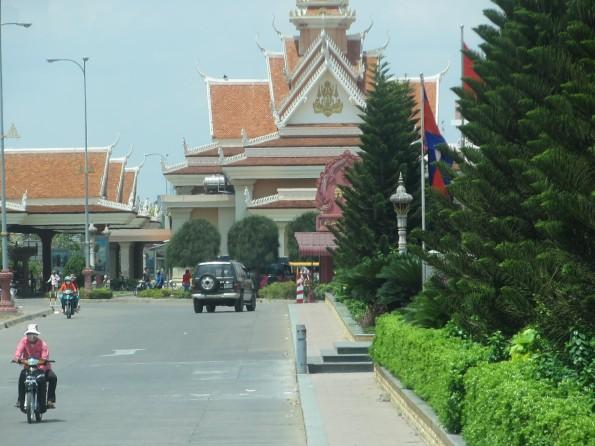 20130328_into-Cambodia (2)s