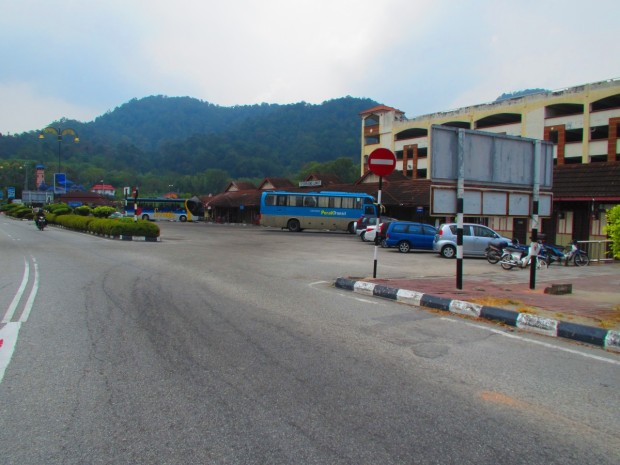 The bus station at Lumut - very close to the jetty