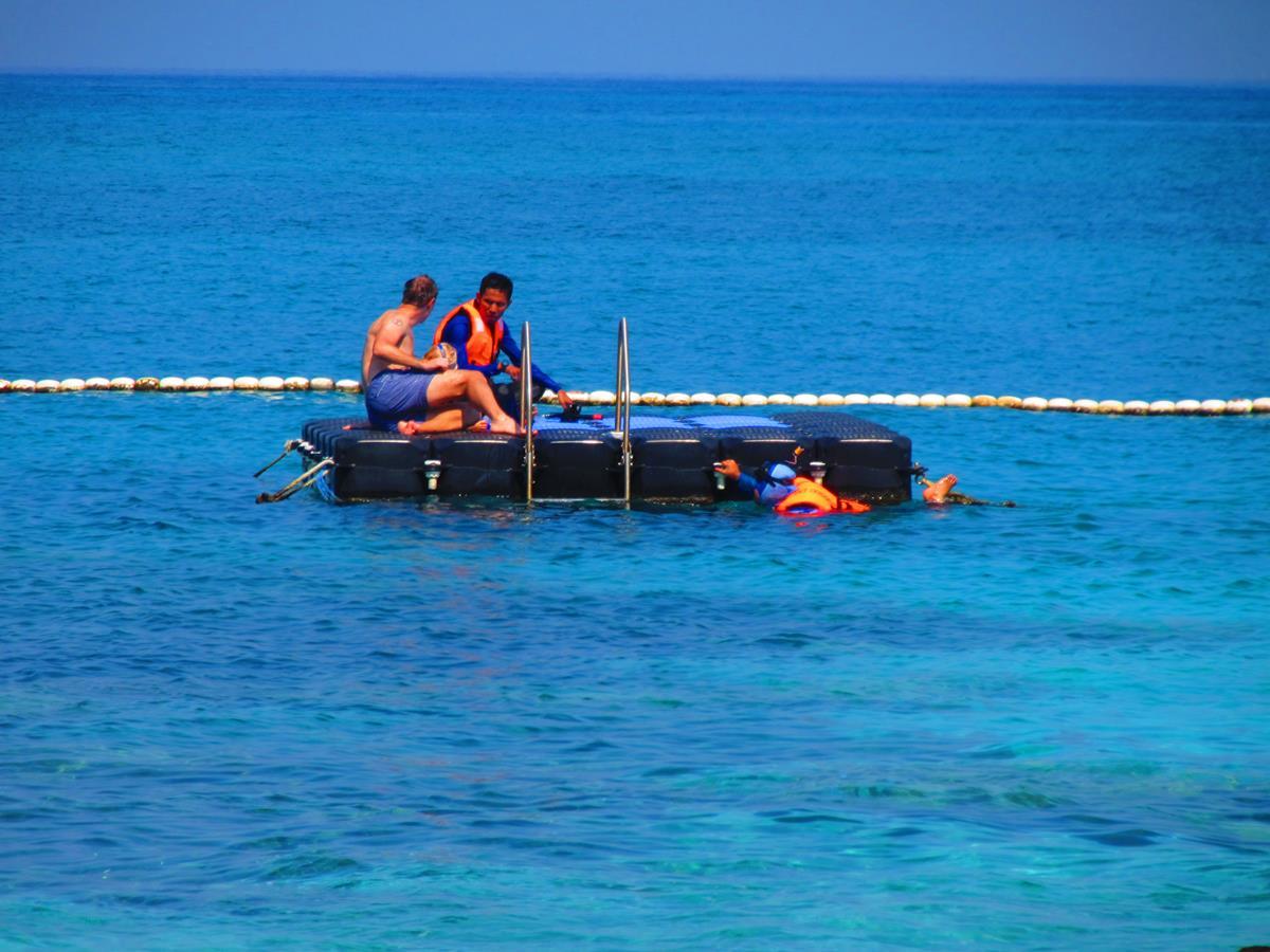 Tuna bay resort perhentian islands malaysia 1 3 for Floating fishing platform