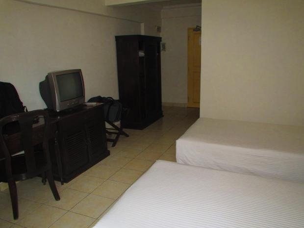 Suria Hotel twin room