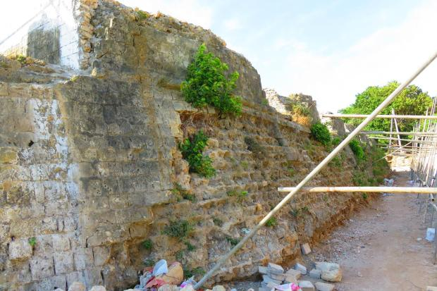 ruin of Dutch fort