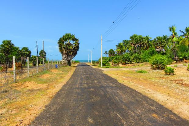 off the main road of Mandaitivu Island, heading for the beach
