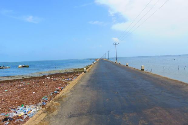another causeway - to Punkudutivu Island