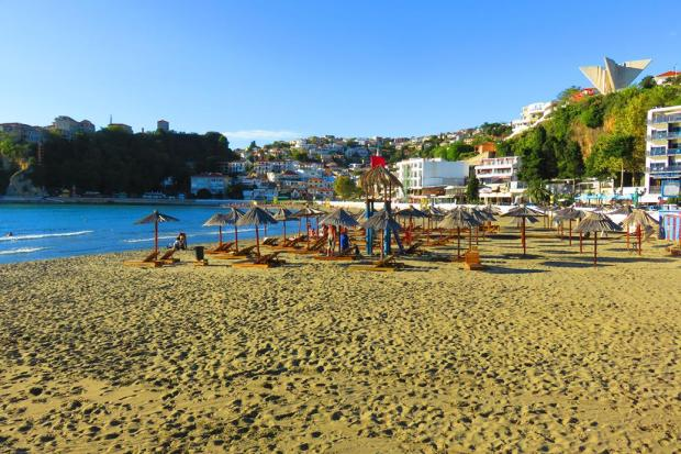 beach at Ulcinj