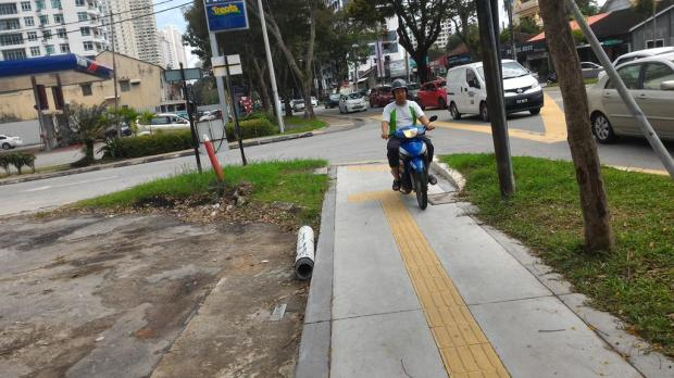 motocyclist road